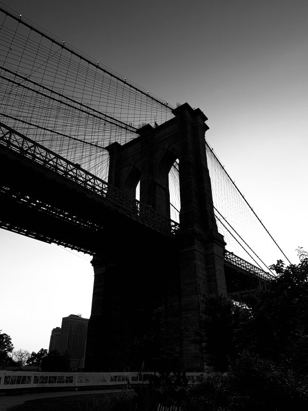 Brooklyn Bridge thumbnail