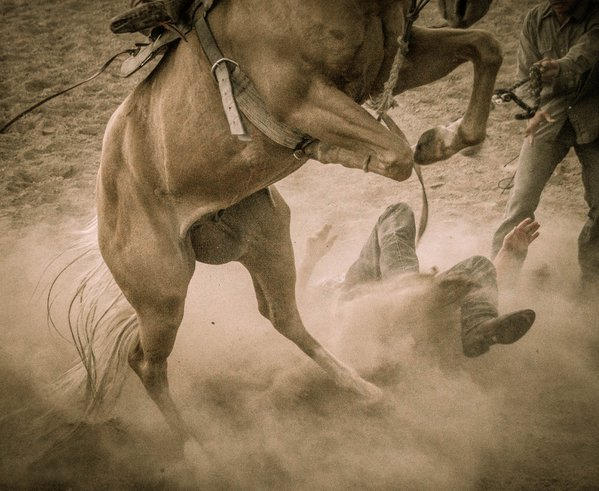 Wild Horse Racing at the July 4th Ten Sleep, WY Rodeo thumbnail