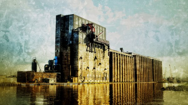 Grain Elevator in Duluth Harbor thumbnail