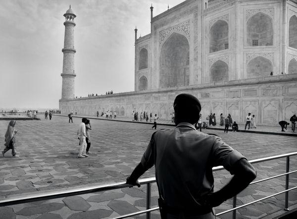 Taj Mahal guard thumbnail