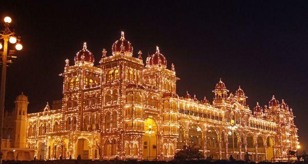 Splendid illumination of Mysore Palace at night thumbnail