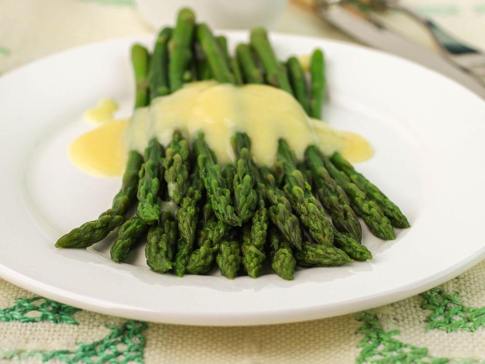 Asparagus Hollandaise