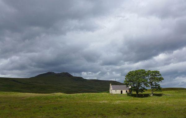 Forgotten cottage in Scotland thumbnail
