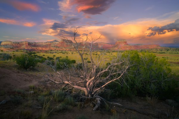 Sunset over the Ghost Ranch in Northern New Mexico thumbnail