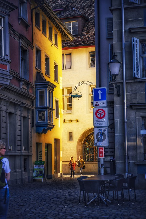 Golden Light in Zurich thumbnail