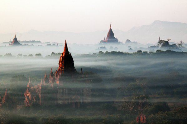 Took this photo  when I was in Bagan with my daughter in January, 2011. ( My camera shows the US time as I bought it from US and forgot to change it. ) thumbnail