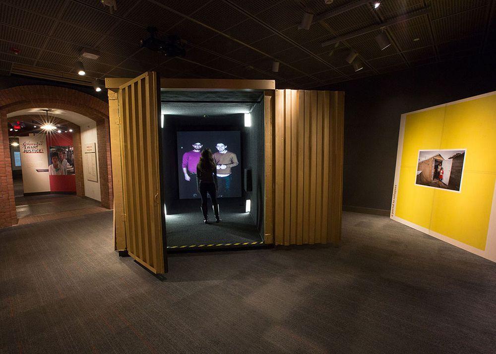 Portal Holocaust Museum.jpg