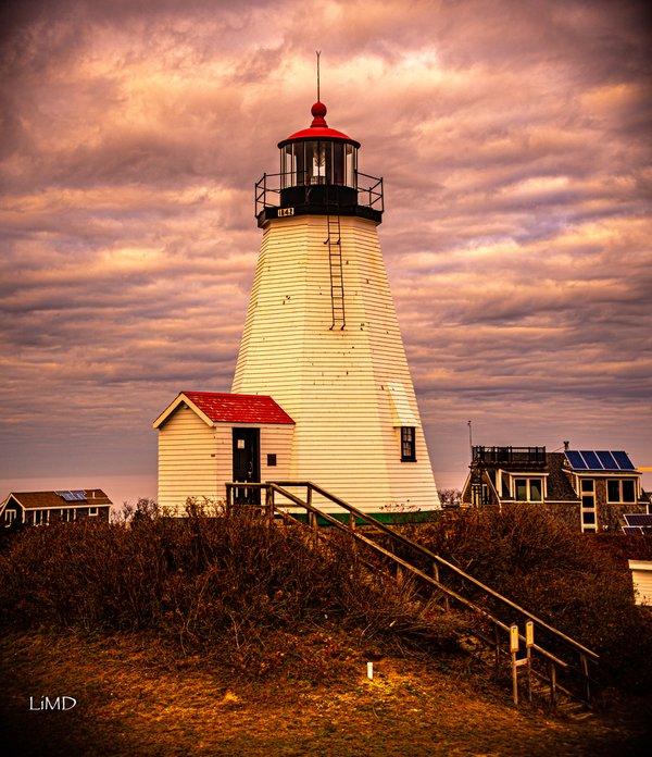 Lighthouse at the Gurnet thumbnail