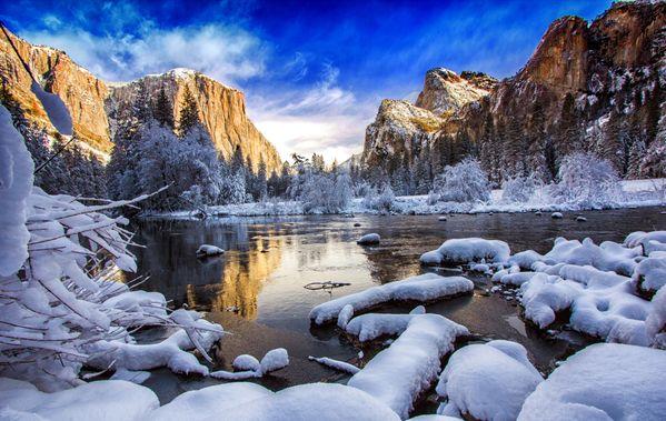 Reflection of El Capitan - Yosemite thumbnail