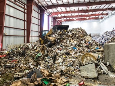 Fulcrum BioEnergy converts household trash into biofuel for airplanes.