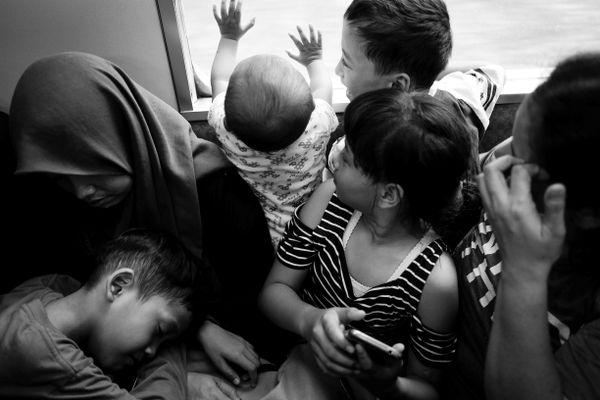 Crowded train in Jakarta thumbnail