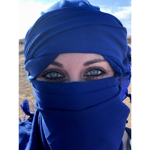 Immersed in Moroccan Culture & Wrapped in a Traditional Hijab thumbnail