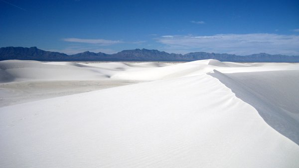 Alone in White Sands thumbnail
