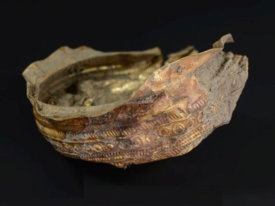 The golden bowl may have been used inreligious ceremonies honoring the sun.