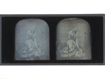 Stereoscopic portraits of Queen Victoria. Dated 1854.