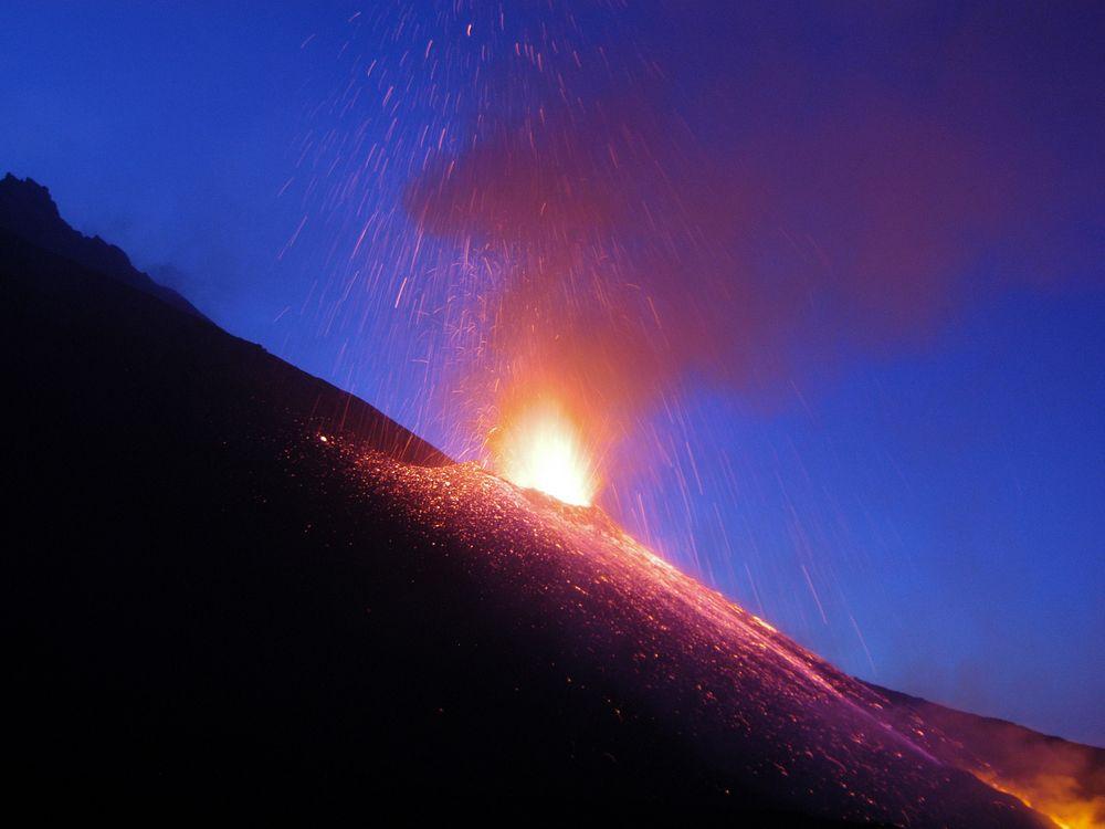 volcano_image_3.jpg