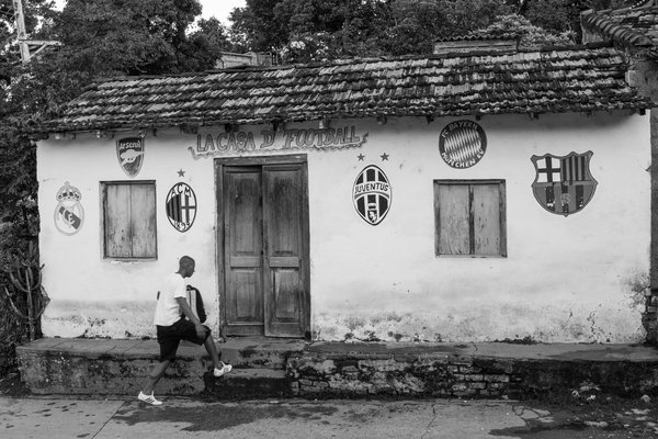 A house of football fans in Cuba thumbnail