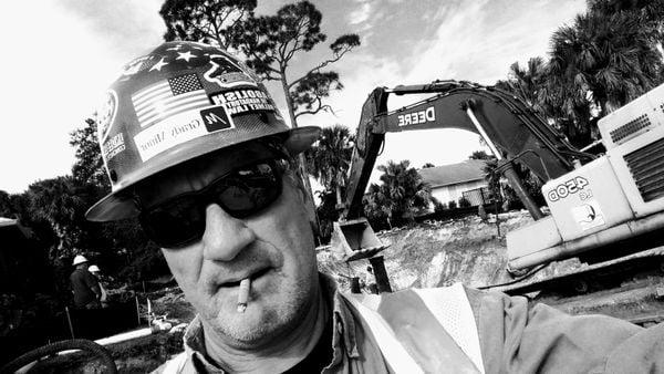 Working man. thumbnail