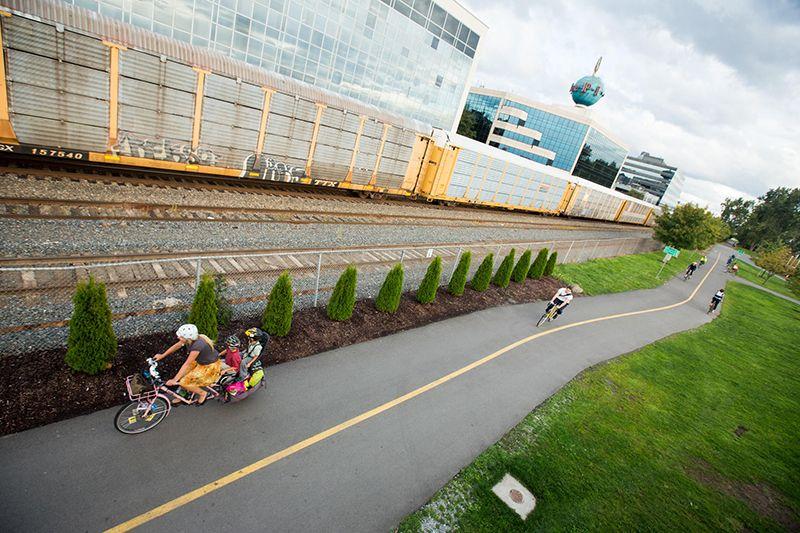 Cargo bike commuting-main.jpg