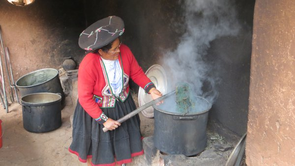 Traditional Incan Textile Dyeing thumbnail