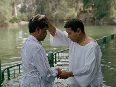 A modern baptismal rite takes place in the same Paravur pond in which the Apostle Thomas reputedly baptized Indian nobility in the first century.