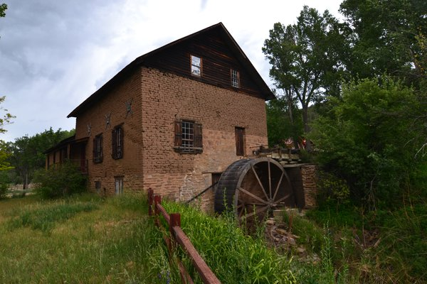 Historic La Cueva Mill thumbnail