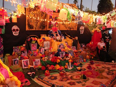 Hollywood Forever Collections. Smithsonian Latino Center, 2012.