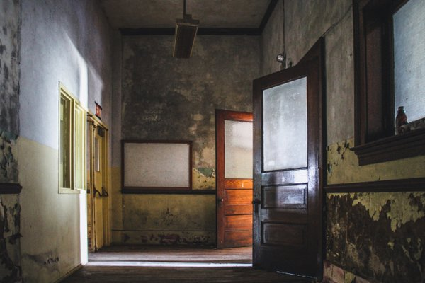 Abandoned School thumbnail
