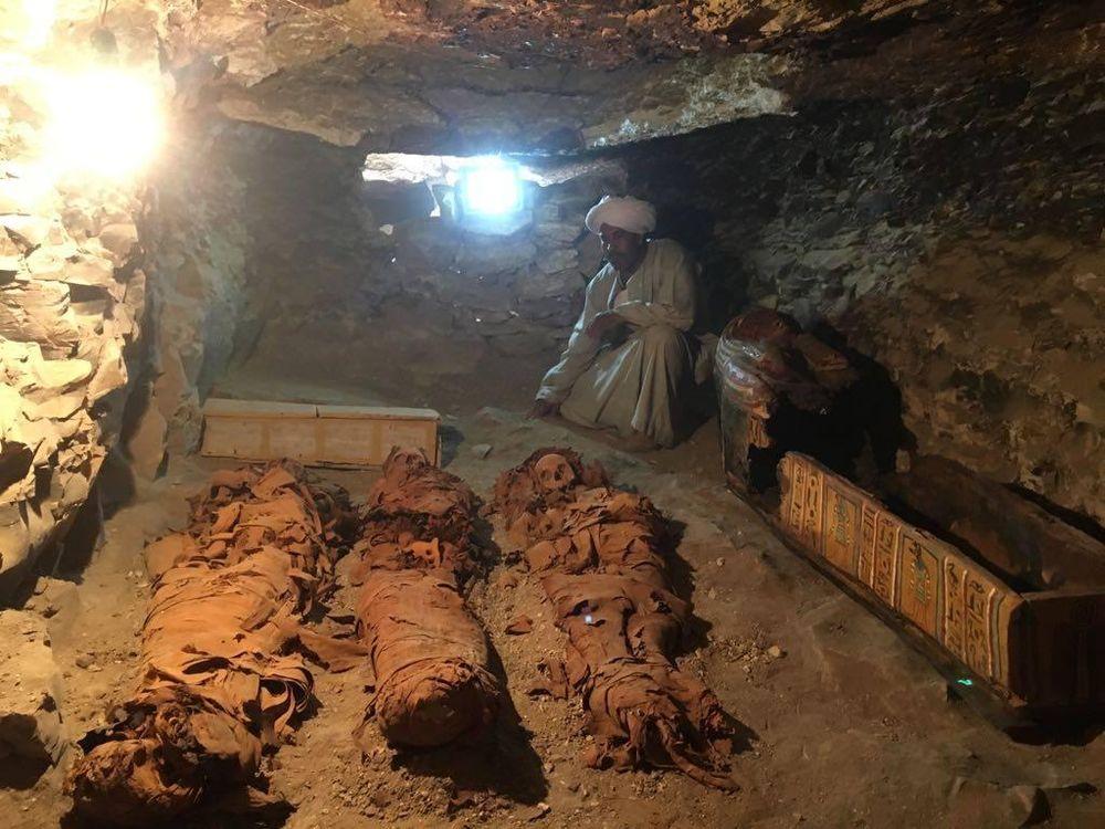 Goldsmith Tomb