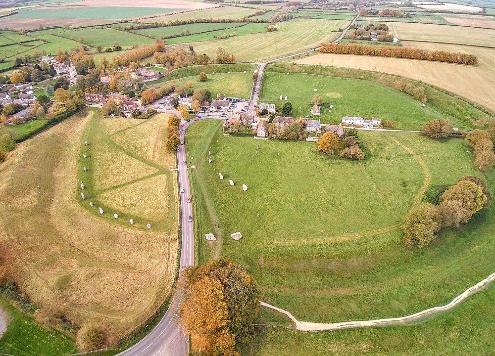 1280px-Avebury_aerial.jpg