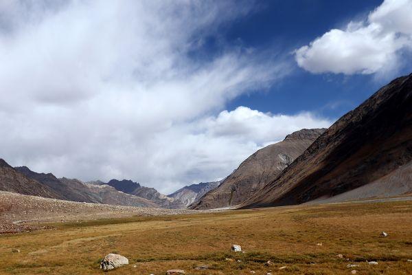 Landscape of Suru Valley thumbnail