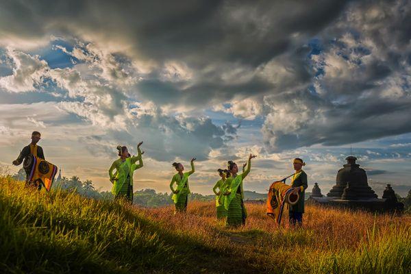 Rachine Traditional Dance thumbnail