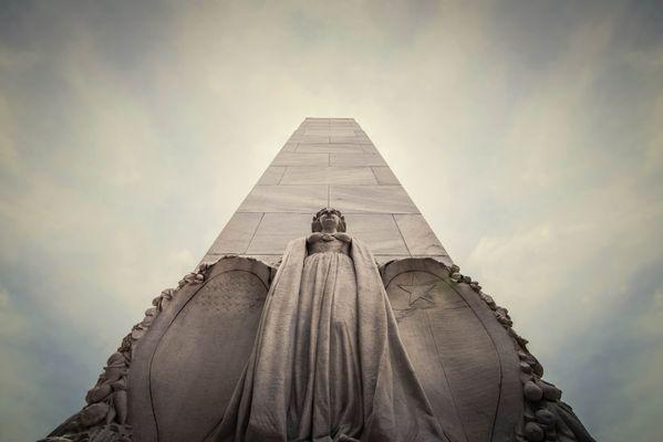 The Alamo Cenotaph in San Antonio, Texas, USA thumbnail
