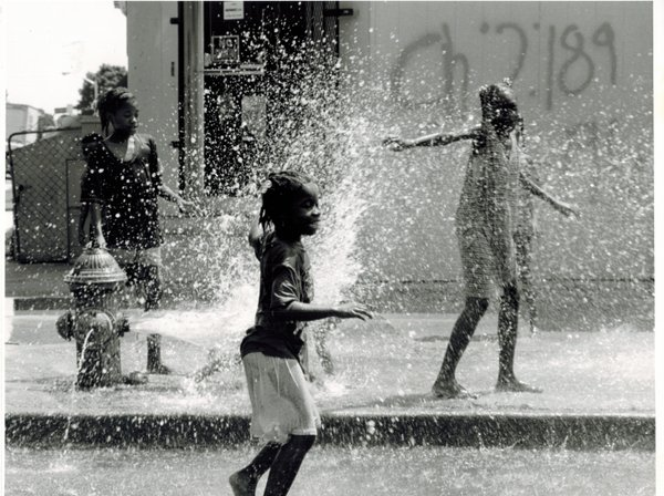 Girl cooling off in Baltimore thumbnail