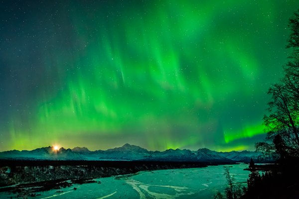 Northern Lights over Mt. McKinley and Alaska Range, Alaska thumbnail