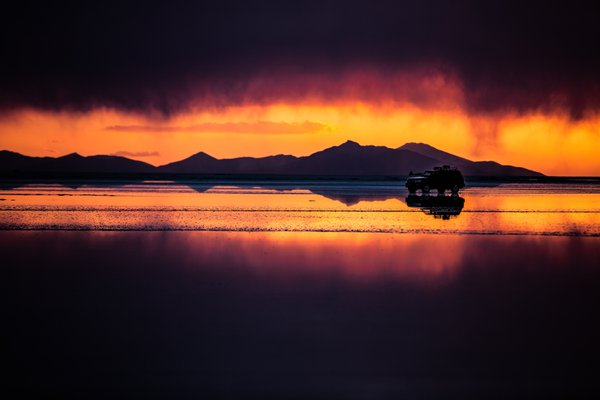 Sunset in Uyuni thumbnail