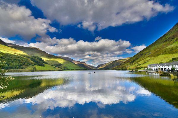 Reflecting Talyllyn Lake thumbnail