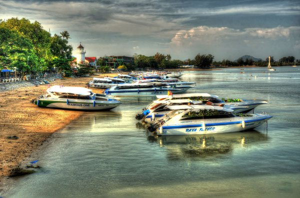 Chalong Beach Speedboats HDR thumbnail