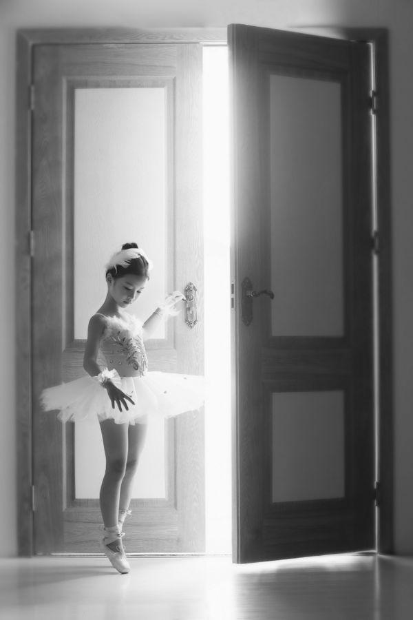 A ballerina girl thumbnail