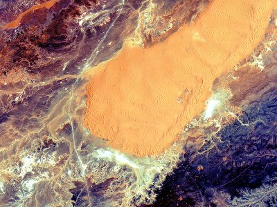 In early July, Sentinel-2A captured this image of the Sahara in central Algeria.
