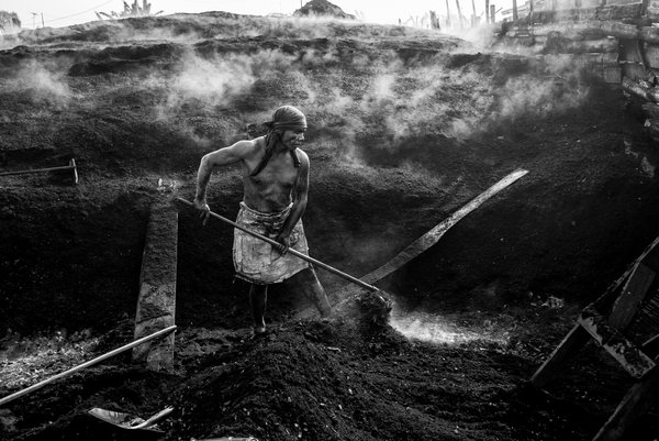 Charcoal worker 02 thumbnail