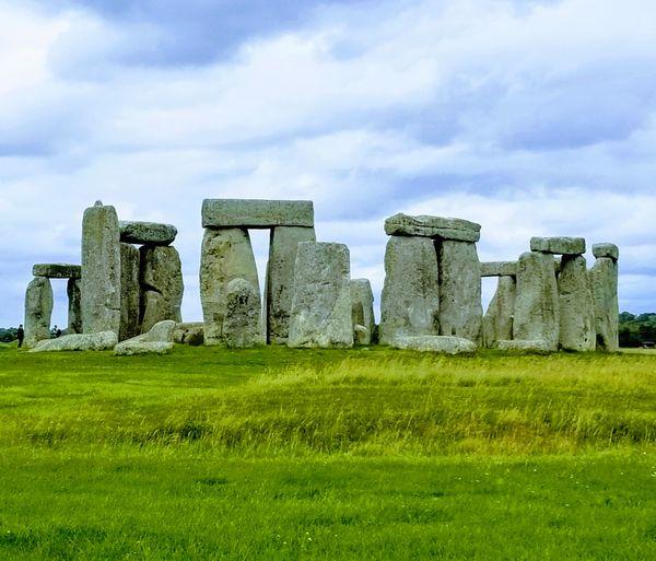 Stonehenge Circle from afar thumbnail