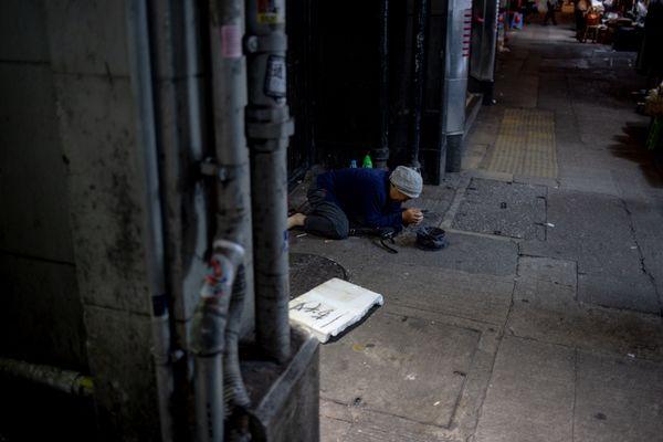 Hong Kong's  Luxury beggar thumbnail