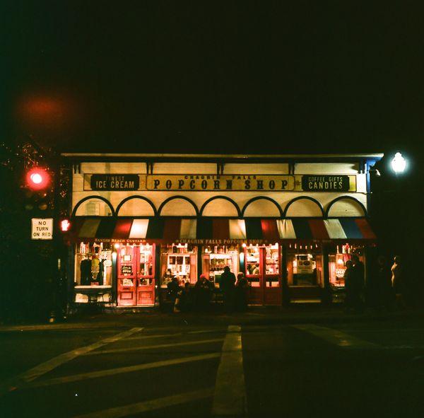 Popcorn shop in Chagrin Falls, Ohio thumbnail