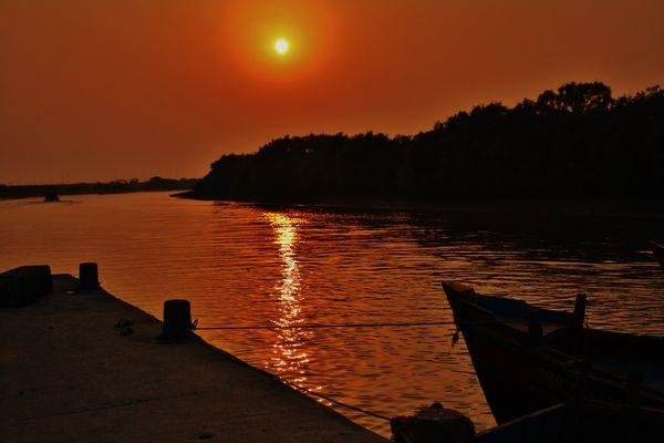 Riverine Sunset thumbnail