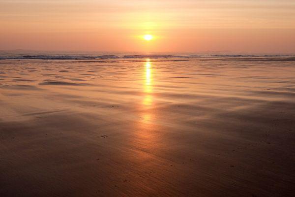 Sunrise on Bamburgh Beach thumbnail