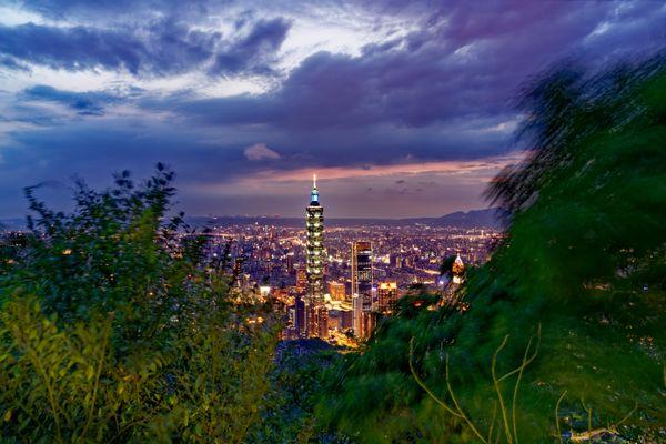 Night Scene of Taipei 101 from Jiuwufeng thumbnail