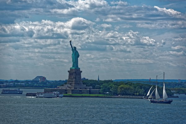 Statue of Liberty with boats thumbnail