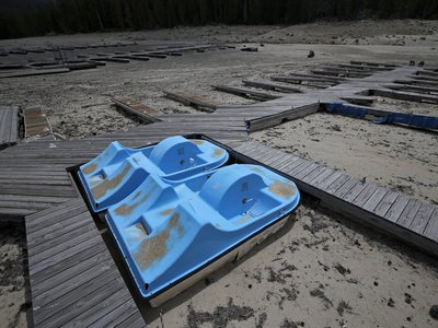 A dry boat dock sits in Huntington Lake after the water receded, in the High Sierra, California. The state is in its fifth year of drought, and more and more, California is turning to Australia—which endured a ten-year drought earlier this century—for solutions.