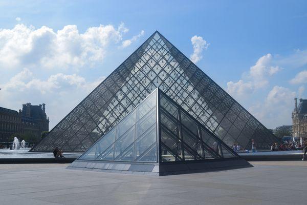 The Louvre thumbnail